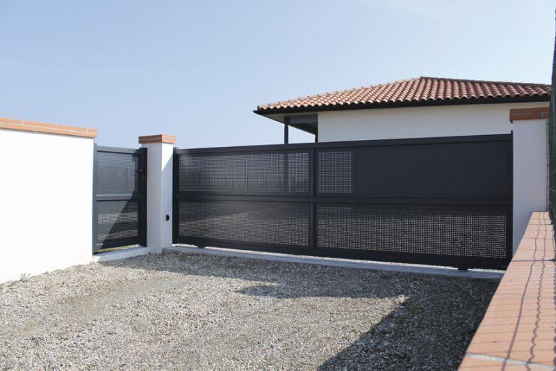 Portail acier ou aluminium r sidentielle grenoble voiron for Portail de garage aluminium