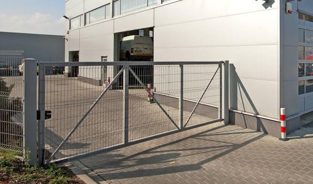 Portail collectif acier ou aluminium grenoble voiron is re 38 for Portail acier galvanise ou aluminium